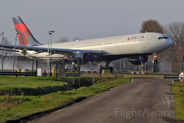 Photo of Delta A333 (N814NW) FlightAware - photo#15